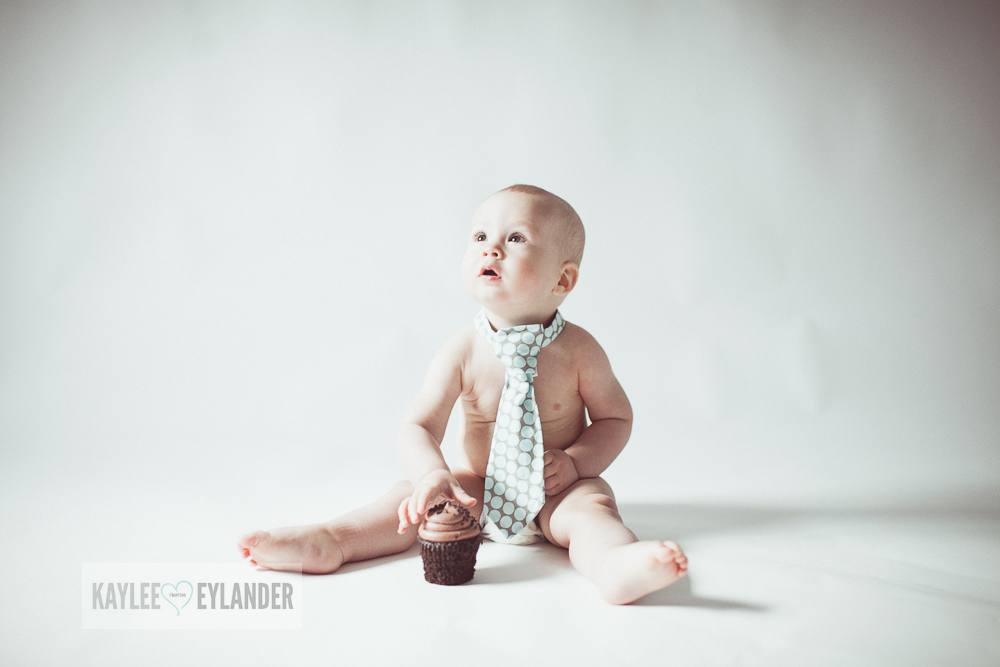 Cake Smash 1 year birthday kaylee eylander 3 Cake Smash | Lake Stevens Baby Photographer