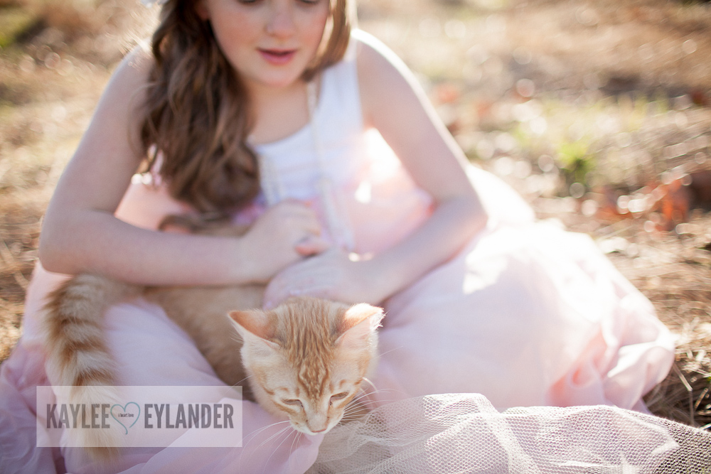 Lake Stevens Childrens Photographer Kaylee Eylander Photography 1 A girl and her cat | Kaylee Eylander Photography | Lake Stevens Childrens Photographers