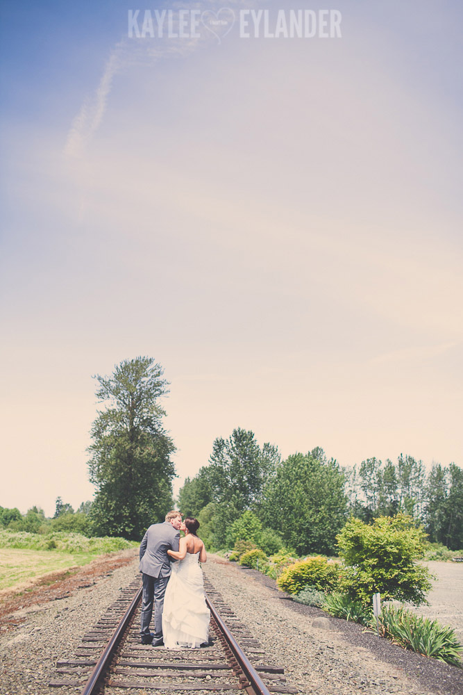 tricities wedding photographer 5 Hidden Meadows Wedding | Kaylee Eylander Photography