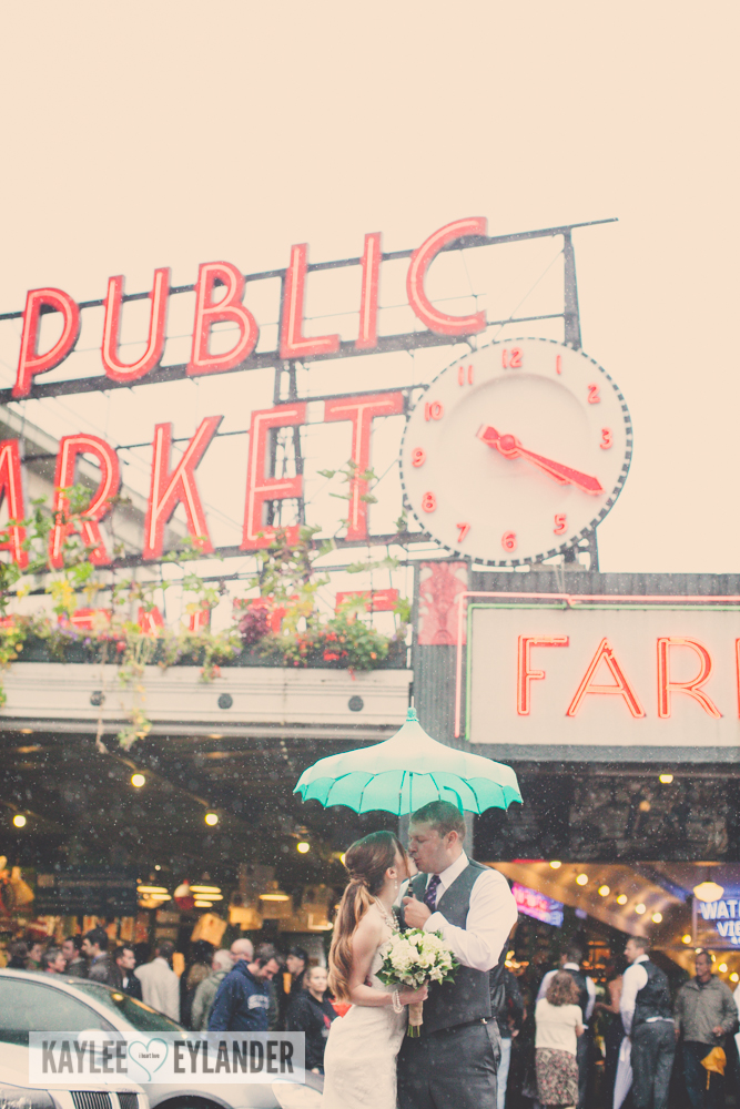 pike place market wedding 15 Tri Cities Wedding Photographer | Pike Place Market Wedding | DIY Weddings
