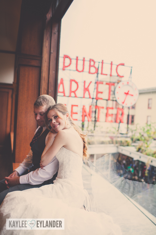 pike place market wedding 2 Tri Cities Wedding Photographer | Pike Place Market Wedding | DIY Weddings