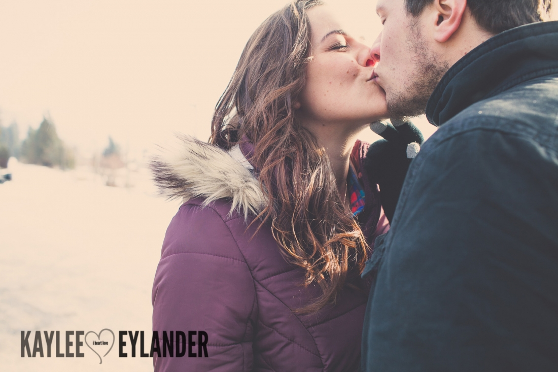Angelika Evan 2 1100x733 Angelika & Ethan | Leavenworth Engagement Session