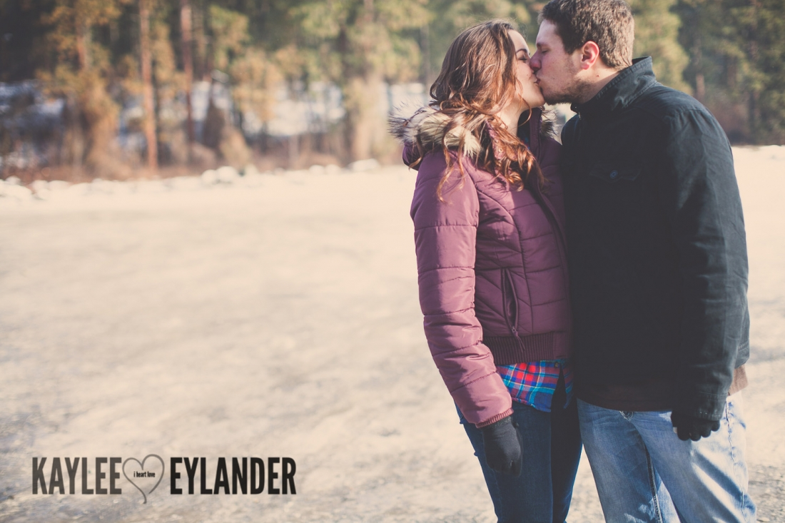 Angelika Evan 9 1100x733 Angelika & Ethan | Leavenworth Engagement Session