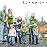 004 families kiddos 200x200 Family Rocks! | Summer Family Portraits Special