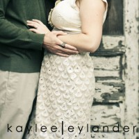 0010 200x200 Free Engagement Sessions...because they are super important!!